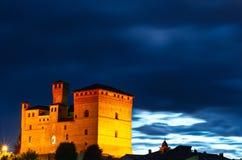 Castello alla notte immagini stock