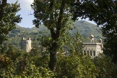 Castello antico su panoramy montano fotografia stock