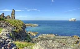 Castello Bass Rock di Tantallon Fotografie Stock Libere da Diritti
