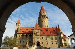 Castello Bouzov. Repubblica ceca Fotografia Stock Libera da Diritti