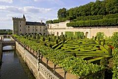 Castello, canale e giardino di Valencay fotografie stock
