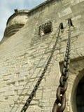 Castello con le catene del drawbridge fotografia stock libera da diritti
