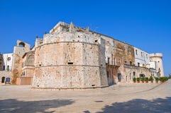 Castello del Acquaviva dell'Aragona. Conversano. La Puglia. L'Italia. Immagine Stock
