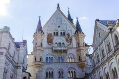 Castello del Neuschwanstein nelle alpi della Baviera Fotografie Stock Libere da Diritti