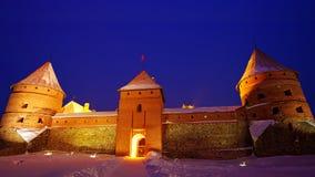 Castello dell'isola di Trakai nella notte in inverno. Fotografia Stock Libera da Diritti