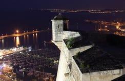 Castello di Alicante alla notte. La Spagna Fotografie Stock Libere da Diritti