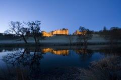 Castello di Alnwick all'alba Immagine Stock Libera da Diritti