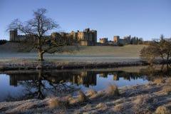 Castello di Alnwick all'alba Fotografia Stock Libera da Diritti