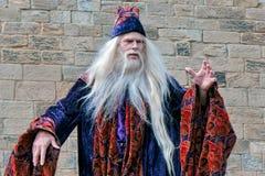 CASTELLO DI ALNWICK, NORTHUMBERLAND/UK - 19 AGOSTO: Dumbledore entra Fotografie Stock