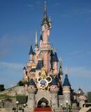 Castello di bella addormentata, Disneyland Paris Bello castello in uno stile favoloso immagine stock libera da diritti