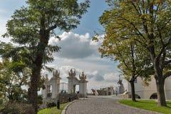 Castello di Bratislava di visita dei turisti, Slovacchia Fotografia Stock