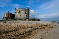 Castello di Calshot all'estremità della spiaggia di Calshot, Hampshire Regno Unito fotografia stock libera da diritti