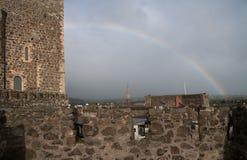 Castello di Carrickfergus con l'arcobaleno Fotografia Stock