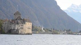 Castello di Chillon nel lago geneva stock footage
