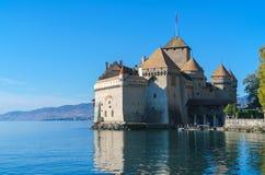 Castello di Chillon sul lago Lemano in montagne delle alpi, Montreux, Switz Fotografie Stock