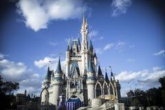 Castello di Cinderellas nel regno magico Fotografia Stock