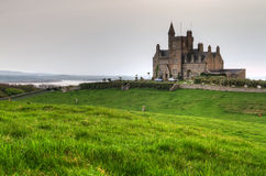 Castello di Classiebawn sulla testa di Mullaghmore Fotografia Stock
