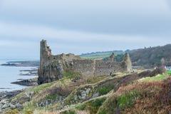 Castello di Dunure sull'ayrshire del sud Scozia del fronte della scogliera Fotografia Stock Libera da Diritti