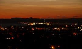 Castello di Edimburgo di notte immagini stock libere da diritti