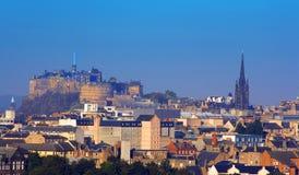 Castello di Edinburgh e st Giles   Fotografie Stock