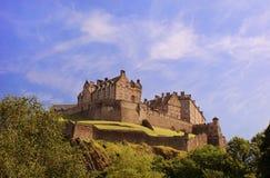 Castello di Edinburgh un giorno pieno di sole caldo fotografia stock