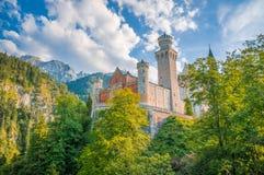 Castello di fama mondiale un giorno soleggiato, Fussen, Baviera, Germania del Neuschwanstein Immagini Stock Libere da Diritti