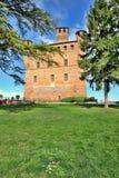 Castello di Grinzane Cavour. Piemonte, Italia. immagine stock