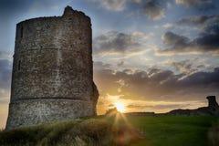 Castello di Hadleigh: Un vecchio castello dell'abbandonato di Medival fotografia stock libera da diritti