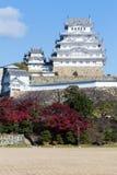 Castello di Himeji sull'alta collina durante la stagione di autunno Fotografie Stock Libere da Diritti