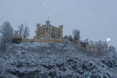 Castello di Hohenschwangau in alpi bavaresi nell'orario invernale germany Immagine Stock Libera da Diritti