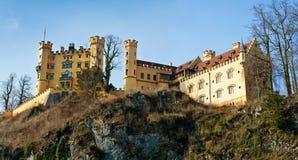 Castello di Hohenschwangau nelle alpi bavaresi della Germania Fotografie Stock