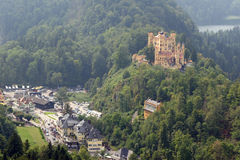 Castello di Hohenschwangau nelle alpi bavaresi, Germania Fotografie Stock