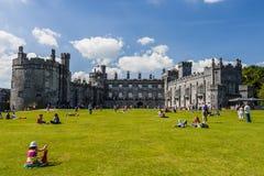 Castello di Kilkenny e giardini, Kilkenny, Irlanda Fotografia Stock Libera da Diritti