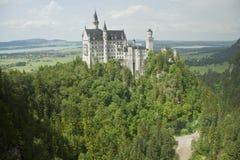 Castello di Neuschwanstein con paesaggio del Rainbow Fotografie Stock Libere da Diritti