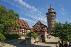 Castello di Norimberga e la torre di Sinwell, Germania, 2015 fotografia stock libera da diritti
