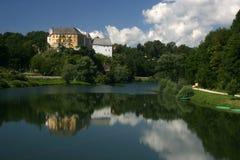 Castello di Ozalj sopra il fiume Fotografia Stock