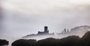 Castello di Passignano nel lago Trasimeno fotografie stock