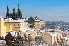 Castello di Praga e poca città Fotografia Stock Libera da Diritti