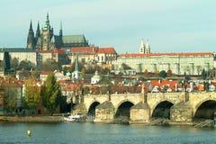 Castello di Praga e ponticello del Charles Fotografie Stock Libere da Diritti
