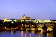 Castello di Praga e ponticello del Charles Immagine Stock Libera da Diritti