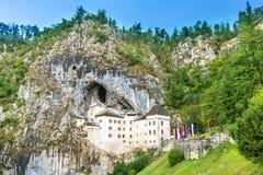 Castello di Predjama in Slovenia fotografie stock libere da diritti