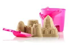 Castello di sabbia isolato sopra bianco Immagine Stock Libera da Diritti