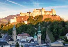 Castello di Salisburgo - Hohensalzburg, Austria al tramonto Immagini Stock Libere da Diritti