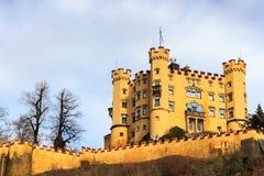 Castello di Schloss Hohenschwangau (alto palazzo) della contea del cigno, Fussen, Baviera, Germania Fotografia Stock Libera da Diritti