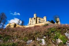 Castello di Schloss Hohenschwangau (alto palazzo) della contea del cigno, Fussen, Baviera, Germania Immagine Stock