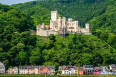Castello di Stolzenfels alla valle del Reno vicino a Coblenza, Germania Fotografie Stock Libere da Diritti