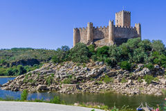 Castello di Templar di Almourol Uno dei castelli più famosi nel Portogallo Fotografie Stock Libere da Diritti