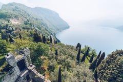 从Castello di Vezio的鸟瞰图 免版税图库摄影