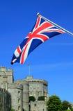 Castello di Windsor con una bandierina del Jack del sindacato Fotografie Stock Libere da Diritti