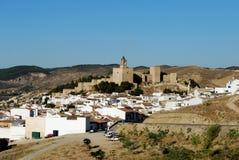 Castello e città, Antequera, Spagna. Fotografia Stock Libera da Diritti